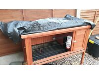 rabbit hutch nearly new condition, bought new ready for winter and only used for a week