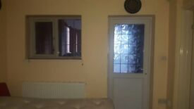 LOVELY ENSUITE ONE BEDROOM FULLY FURNISHED BEDSIT/STUDIO IN STOKE, COVENTRY. SHORT TERM WELCOME