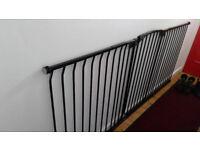 Dreambaby Extra Tall Hallway Gate Black 223cm - 232cm pet/child gate barrier
