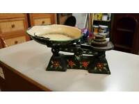 Painted weighing scales
