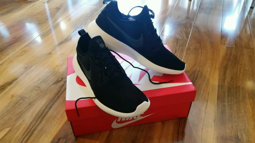 kgmyj Nike Roshe 2 Black Size UK 8 New with box | in Peterborough