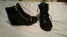 Select ankle boots worn once gud as new size 5