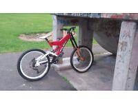 Solid misson 9 downhill bike