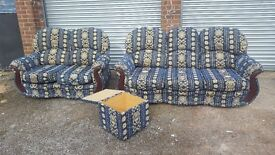 Lovely 3 piece sofa suite. good used condition. can deliver