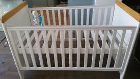 Tutti Bambini Bears Cot Bed, Beech/White