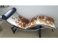 LC4 Le Corbusier style chaise longue Pony/cowhide