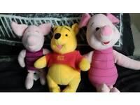 Winnie The Pooh & 2 Piglets.