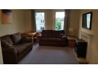 Spacious 2 bedroom flat with private garden in Balgreen