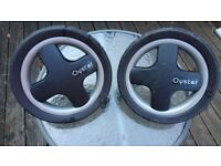 Babystyle Oyster Front and Rear Wheels in light grey
