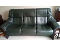 Leather recliner settee. Stressless – Eldorado 3 Seat reclining sofa. Green leather, Mahogany wood