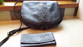 Brown leather etched saddle bag with optional matching purse.