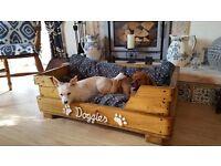 Bespoke pet beds Luxury wooden raised dog beds