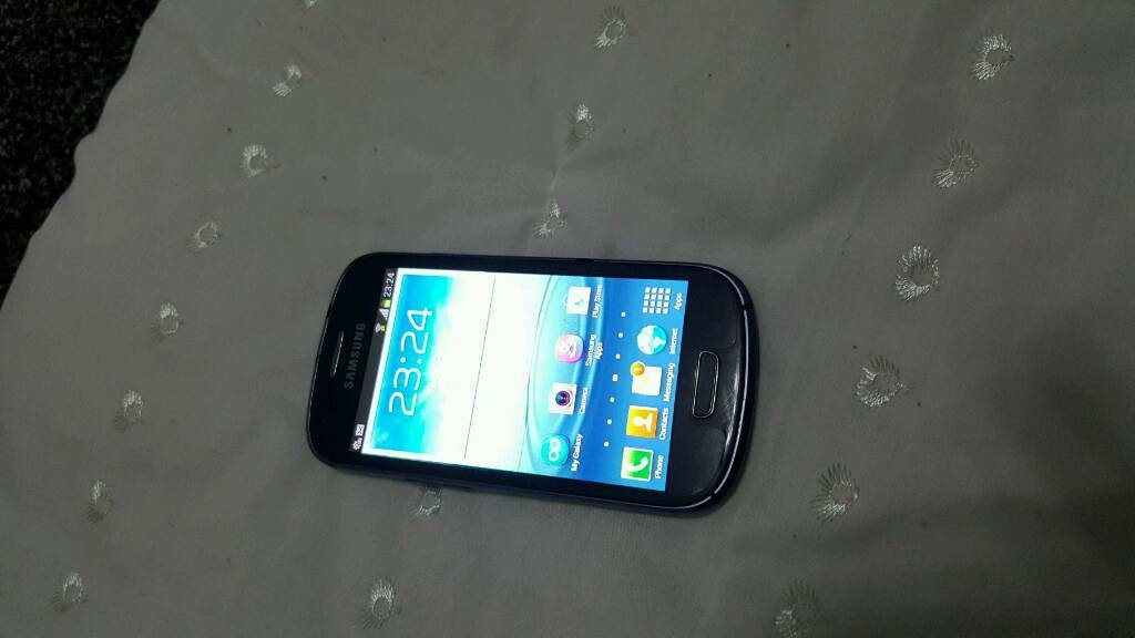 Samsung Galaxy s4 mini unlockedin Sheffield, South YorkshireGumtree - Samsung Galaxy s4 mini unlocked All buttons WiFi both cameras mic speaker loudspeaker fingerprint everything in working condition.I have some more mobile as well please see my other ads Only message no call please Thanks
