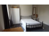 Very large and comfortable room to rent in Victorian terrace house