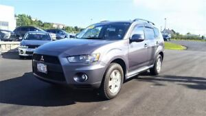 2010 Mitsubishi Outlander LS 4WD - ONLY $130 biweekly!
