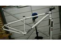 Charge cooker 2 mountain bike frame and fork