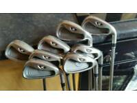 TAYLORMADE R7XD GRAPHITE IRONS