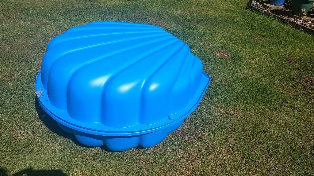 Blue Clam Shell Paddling Pool In Perth Perth And