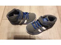 Size 7 boys trainers - great condition
