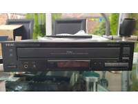 TEAC PD-D2620 COMPACT DISC / MP3 MULTIPLAYER