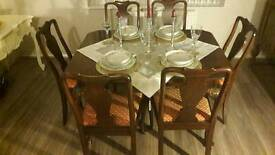 Antique Original 1920 Queen's Ann's Extendable Dining Table with 6 chairs.