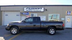 2006 Dodge Dakota SLT-SPORT-V8- LOCAL TRADE-LOADED Windsor Region Ontario image 2