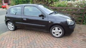 For sale Renault Clio MOT February 2017 £950.00 call 01684574437 or 07427 898904