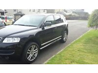 VW Touareg...Black 2.5 diesel altitude se...2006 0n a 55 plate..