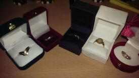 job lot gold rings 3 are 18 ct 2 are 9ct and 18ct mix