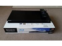 Sony BDP-S370 Blu-Ray disc /dvd player