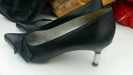 Charles jourdan black Size 6 shoes