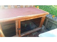 Rabbit hutch for sale good condition. £35. Pick up Wallyforf
