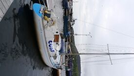 King Cruiser Sailing Boat , single keel with 3 cylinder 21HP Kubota diesel engine ,full sail kit