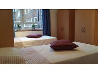 Barons Court - Lovely Twin Room in a great neighbourhood