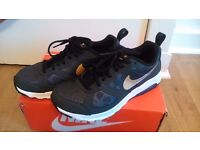 Women's Nike Air Max Muse Dark Grey/Gold Size 6