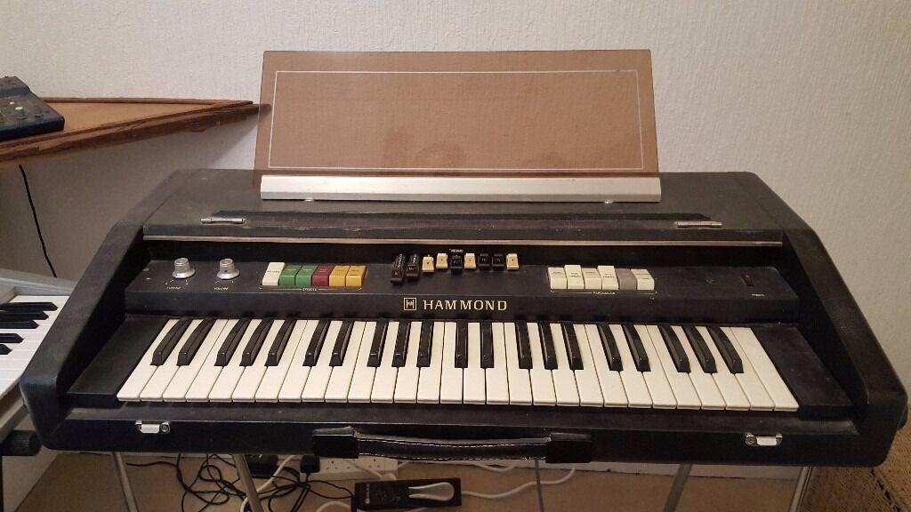 hammond x2 portable organ in torquay devon gumtree. Black Bedroom Furniture Sets. Home Design Ideas