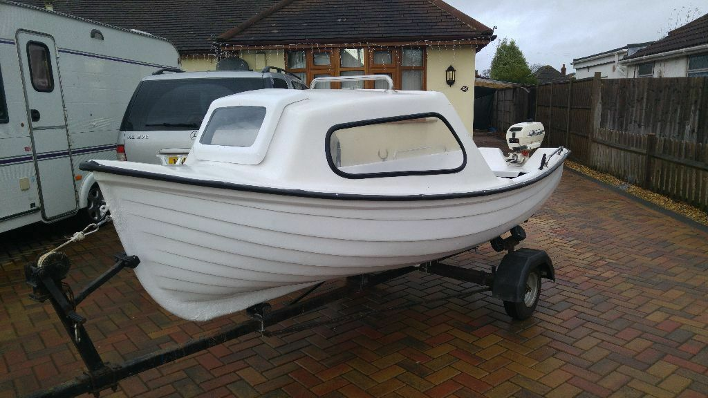 Maxcraft orkney spinner 13 ft fishing day boat camping for Fish camping boat