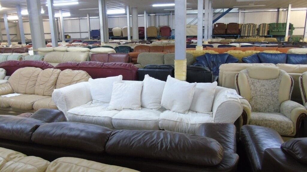 PRE OWNED Large 3 Seater Sofa in White Fabric