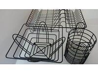 KItchen drainage rack, matching kitchen utensil set and fruit bowl