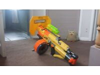 nerf Gun with 25 barrel and darts