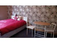 Double Rooms to rent in clean, homely Shared House inclusive of bills - Nice tenants/Landlords