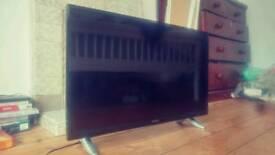 Screen-Damaged Smart 32' Hitachi TV