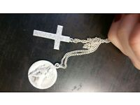 FOUND: A SILVER CHAIN WITH CROSS IN CRYSTAL PALACE