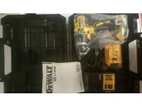 BRAND NEW DEWALT DCD796D2 BRUSHLESS Li-ion 2speed drill with 2 batteries!