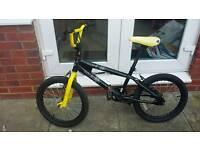Boys 'Avigo' Bmx style bike in need of some tlc!