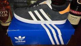 Adidas 5 1/2 trainers