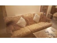 settee and 2 armchairs