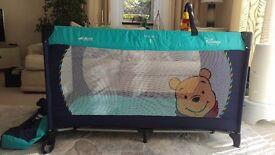 Hauck winnie the pooh travel cot set