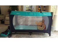 Hauck winnie the pooh travel cot set