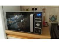 700w digital Microwave - only 4 months old
